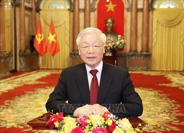 越共中央总书记阮富仲重要文章《社会主义和越南走向社会主义道路的理论与实践若干问题》(全文) hinh anh 1