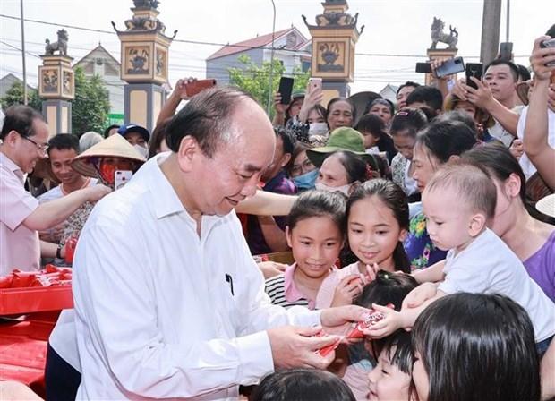 越南国家主席就儿童节和少年先锋队成立80周年致贺信 hinh anh 1