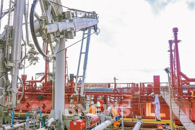 越南国家油气集团今年前5个月利润增长两倍多 hinh anh 2