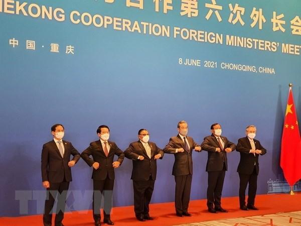 东盟-中国合作:强调在解决地区紧迫性问题中的承诺 hinh anh 1