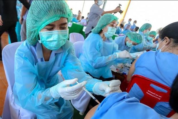 泰国下议院批准政府160亿美元贷款 用于应对第三波新冠疫情 hinh anh 1