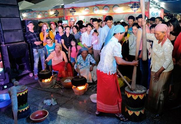越南南部地区高棉族丰富多样的文化旅游产品 hinh anh 7
