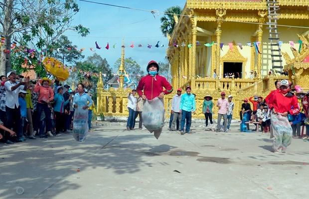 越南南部地区高棉族丰富多样的文化旅游产品 hinh anh 3