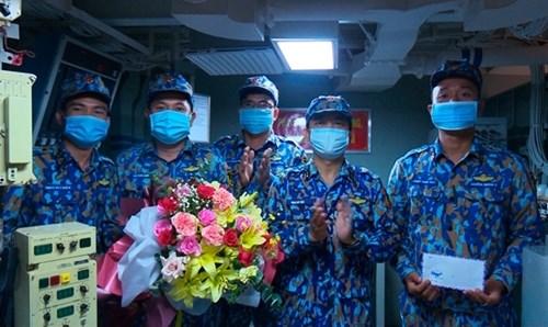 越南人民海军代表团首次参加国际军事比赛:在国际赛场上锤炼本领 hinh anh 8