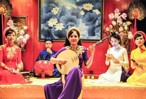 将顺化民歌打造成为充满特色的文化旅游产品 hinh anh 1