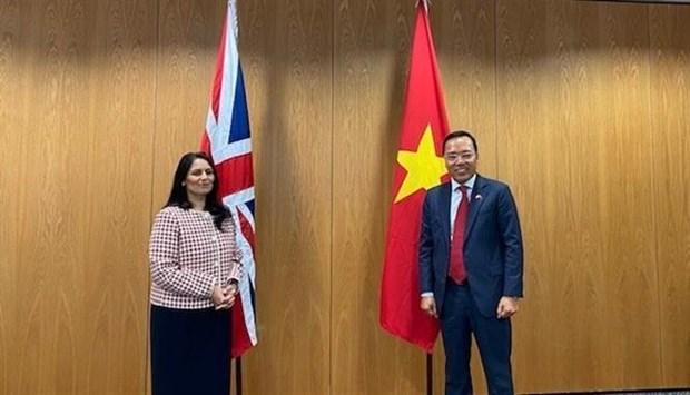 越南与英国进一步加强全面合作关系 hinh anh 1