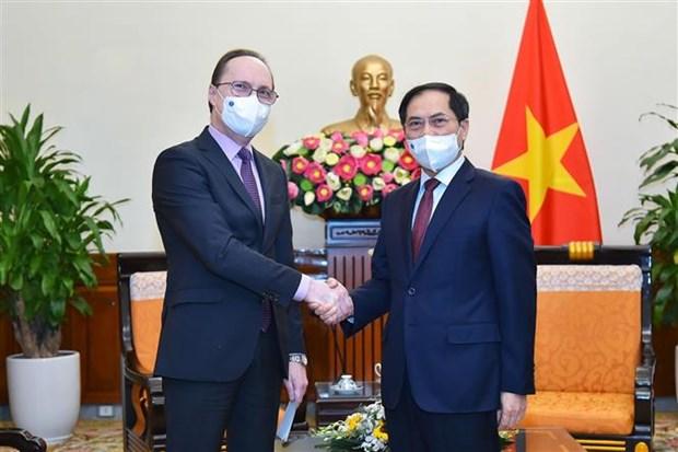 俄罗斯愿意向越南提供和转让新冠疫苗生产技术 hinh anh 1