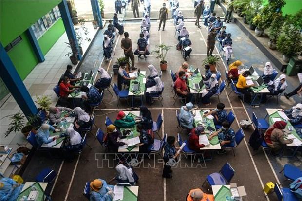 东南亚部分国家新冠肺炎疫情持续恶化 hinh anh 1