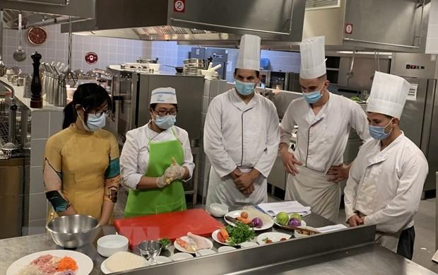 越南在阿尔及利亚推广美食文化 hinh anh 1