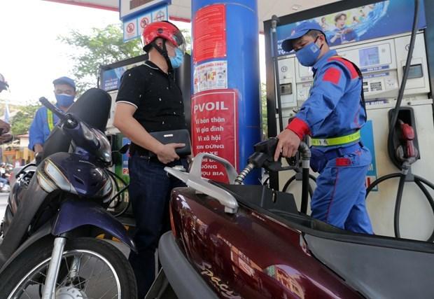 越南国内油价连续多日上涨后回落 hinh anh 1