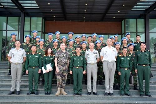 越南与法国防务合作关系的三个十年:培训 打开成功之门的钥匙(第三期) hinh anh 1