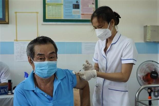 昆岛县第二剂新冠疫苗接种率达超过70% hinh anh 1