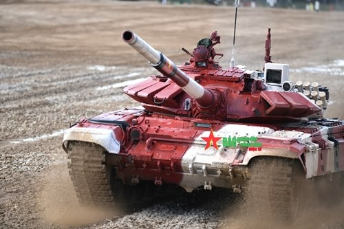 2021年国际军事比赛:越南坦克参赛队第一车组出色完成比赛 hinh anh 3