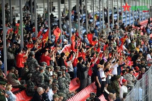 2021年国际军事比赛:越南坦克参赛队第一车组出色完成比赛 hinh anh 5