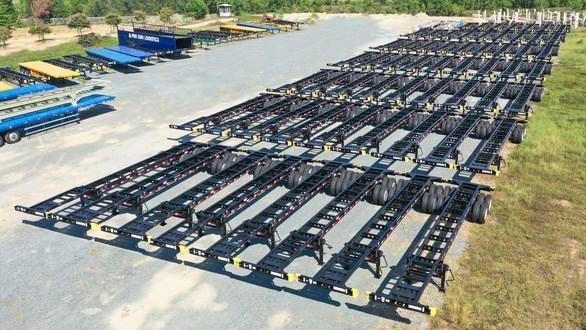 长海汽车公司签订向美国出口6000余辆半挂车的合同 hinh anh 1