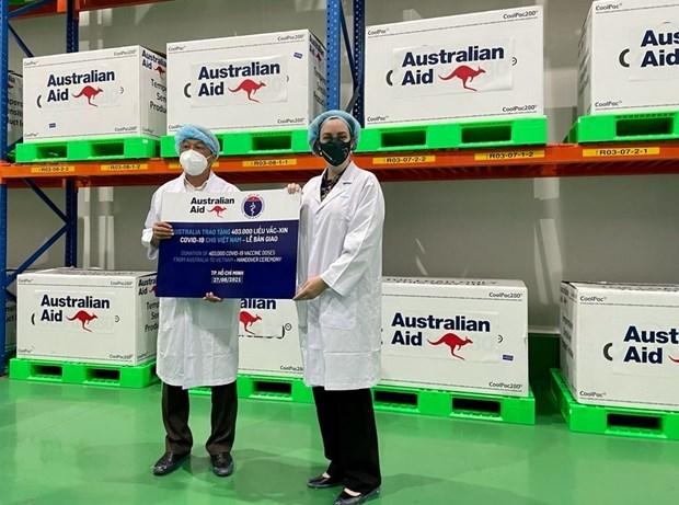 越南接收由澳大利亚政府捐赠的40.3万剂疫苗 hinh anh 1