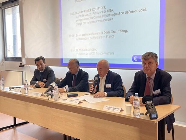 越南-欧盟自由贸易前景展望座谈会在法国举行 hinh anh 1
