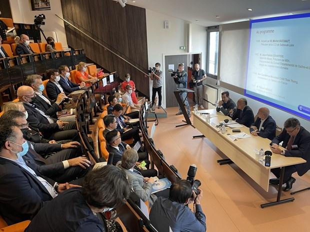 越南-欧盟自由贸易前景展望座谈会在法国举行 hinh anh 2