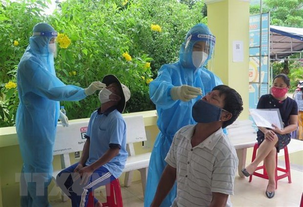 9月18日越南新增新冠肺炎确诊病例9373例 比17日下降2146例 hinh anh 1