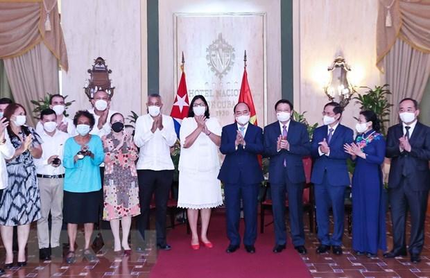 越南国家主席阮春福会见各古巴-越南友好组织 hinh anh 2