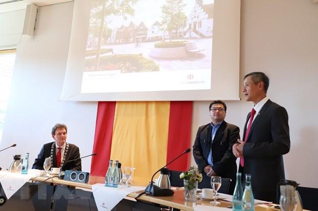 越南与德国促进护理领域合作 hinh anh 1