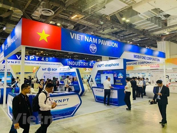 """2019新加坡国际通信展:""""越南制造""""技术产品给参观者留下深刻印象 hinh anh 1"""