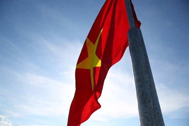 组图:李山岛最高山峰上的升旗仪式 hinh anh 8