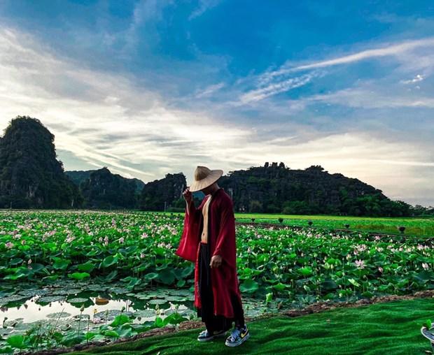 组图:宁平省在秋季盛开的荷花池令人惊叹 hinh anh 11