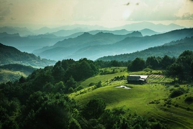 高平省山水联合国教科文组织世界地质公园拥有诸多名胜古迹.
